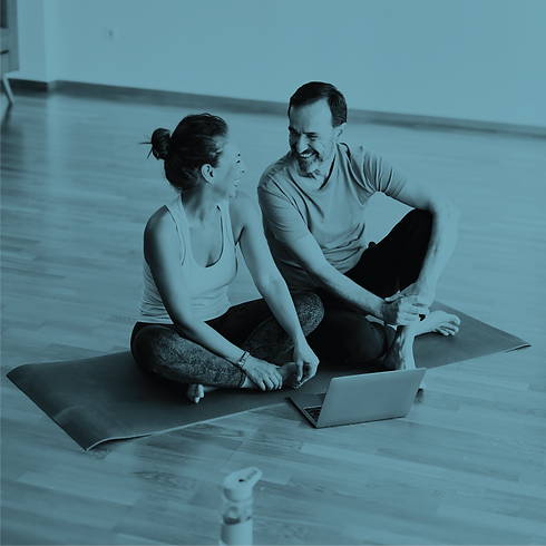 mliq-yogacouple-11.png