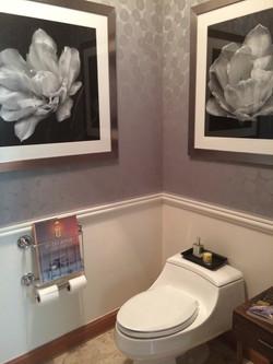 Hollywood Glamorous Bathroom