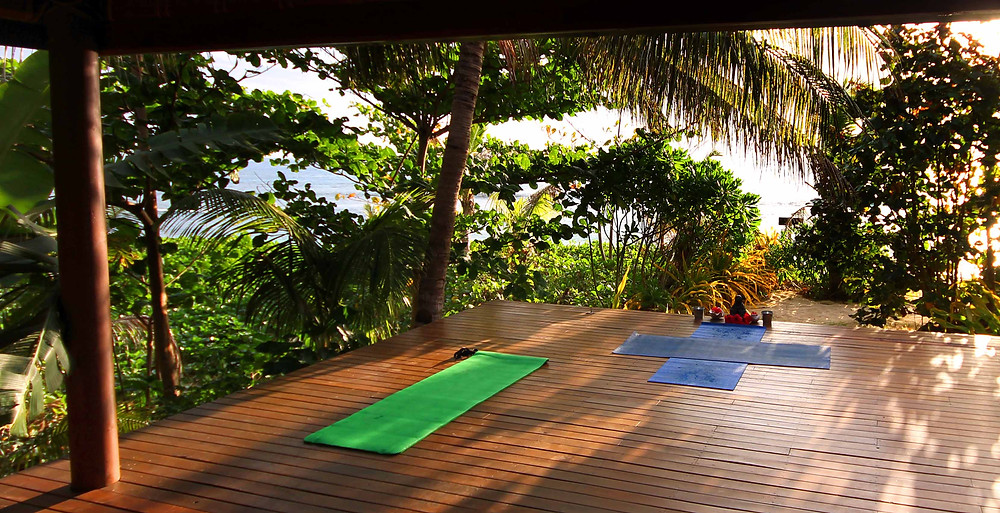 first-yoga-class-on-waya-island-during-fiji-holiday