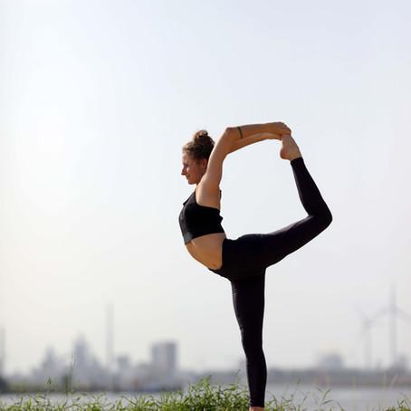 Yoga am Strand @ Lankenauer Höft
