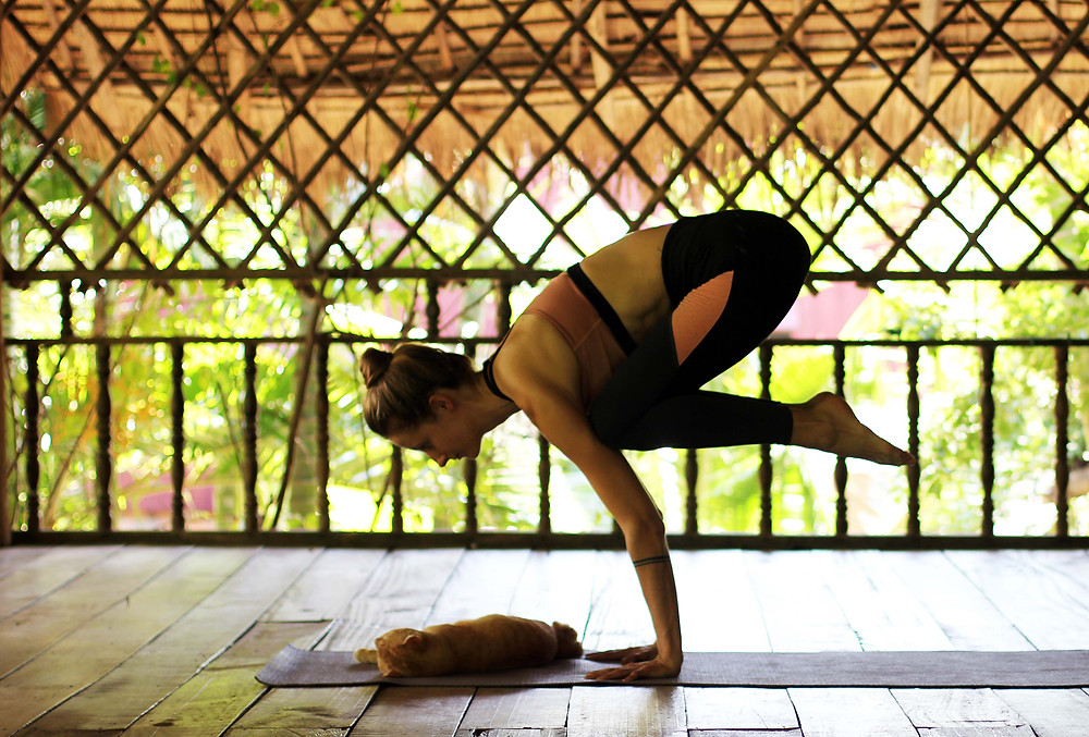 yoga-class-banteay-srey-spa-kampot-cambodia
