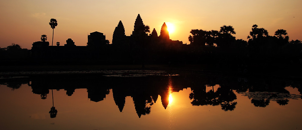 sunrise-over-angkor-wat-temple-ruins-cambodia