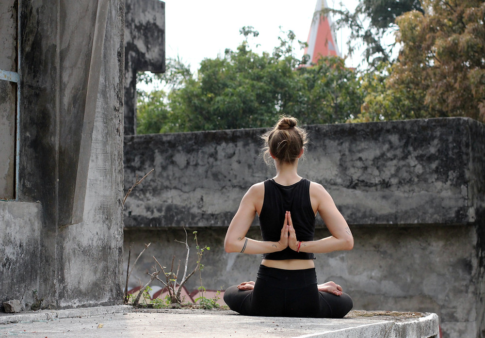 janice-allermann-hands-in-namaste-in-rishikesh-india