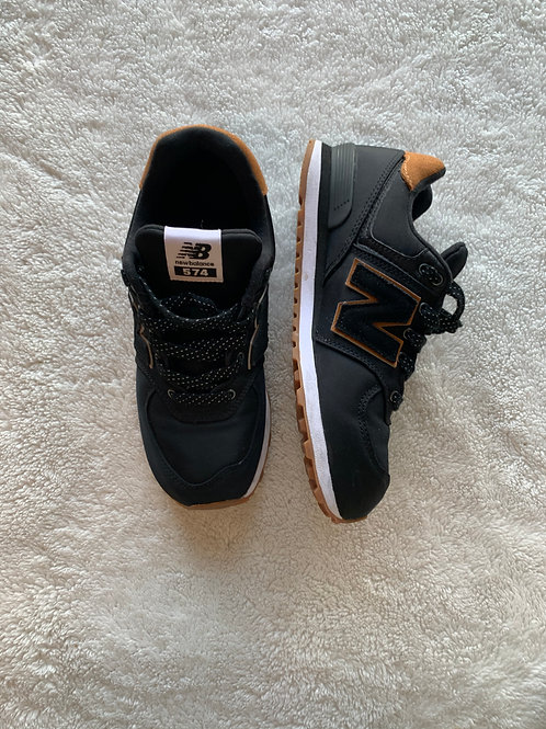 New Balance Shoes- Size 4.5