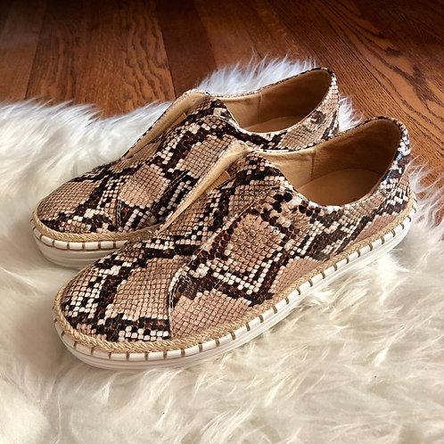 J Slides Shoes - Size 6.5