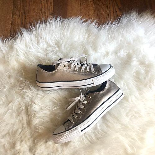 Converse Shoes - size 7