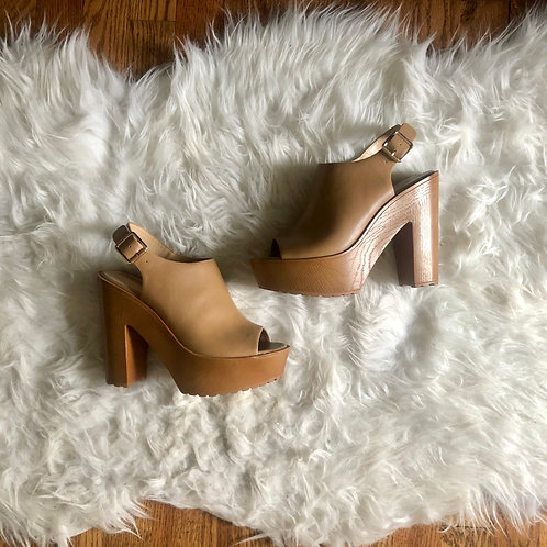 Forever 21 Shoes - size 6.5