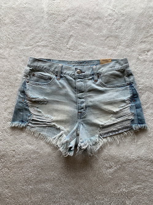 American Eagle Shorts - size 6