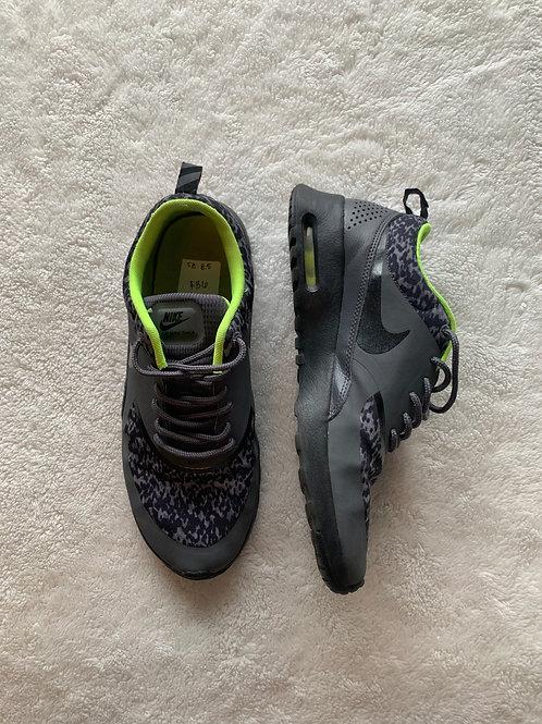 Nike Air Max - size 8.5