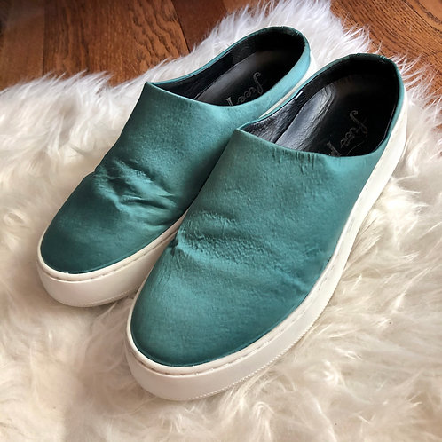 Free People Shoes - size 7.5