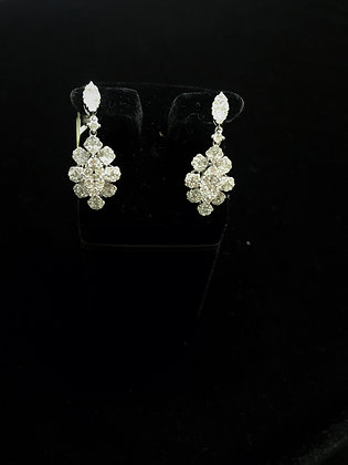 18K gold flower shape earrings