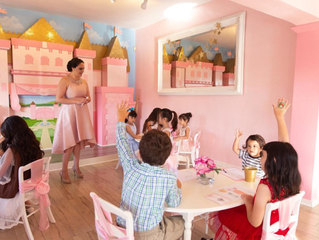 *CLOSED* Gingerbread House and Etiquette class for all kids