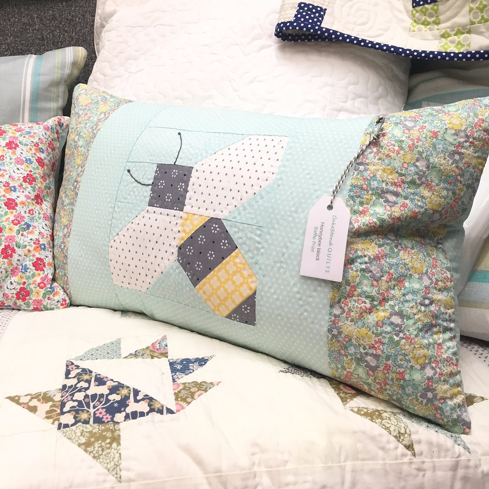 festival of quilts 2017 honeybee cushion