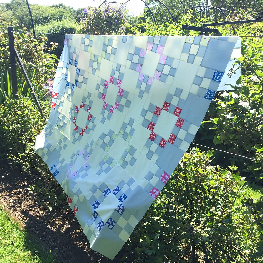 forget-me-not quilt cakestand nicola dodd