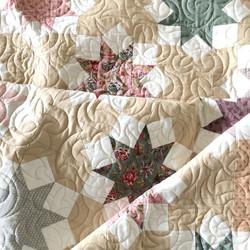 Lenten Rose quilt