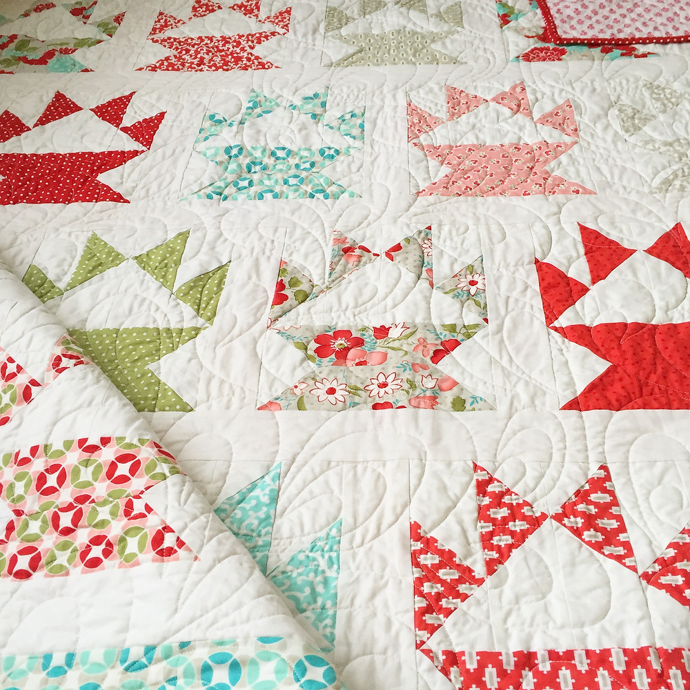 vintage cakestand cake stand quilt