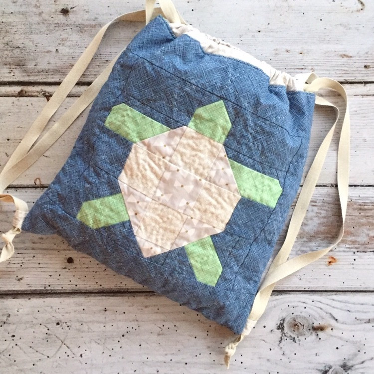 cakestand quilts nicola dodd oetit four mock turtle block happy wanderer bag