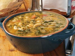 Tuscan White Bean & Kale Soup