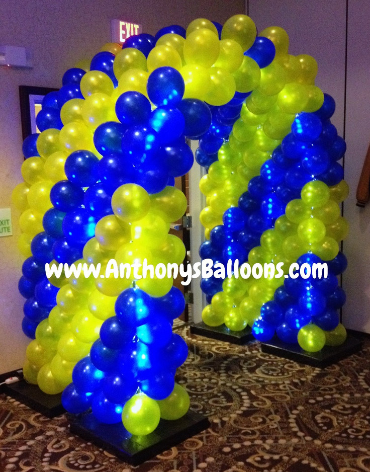 Balloon Tunnel with Lights!