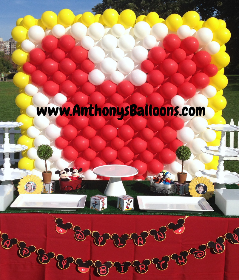 Mickey Mouse Balloon Wall