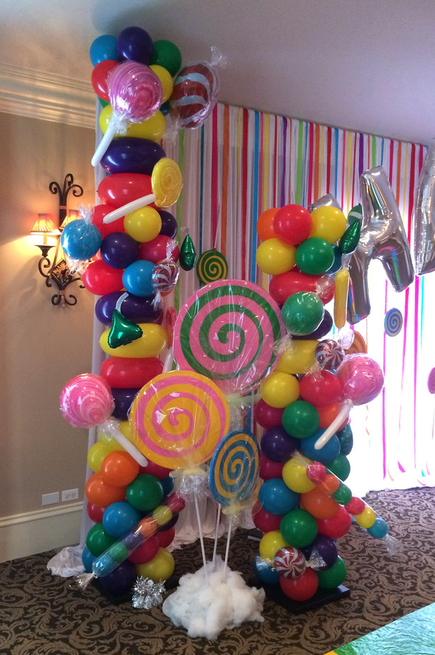 10' & 7' Candy Land Balloon Columns