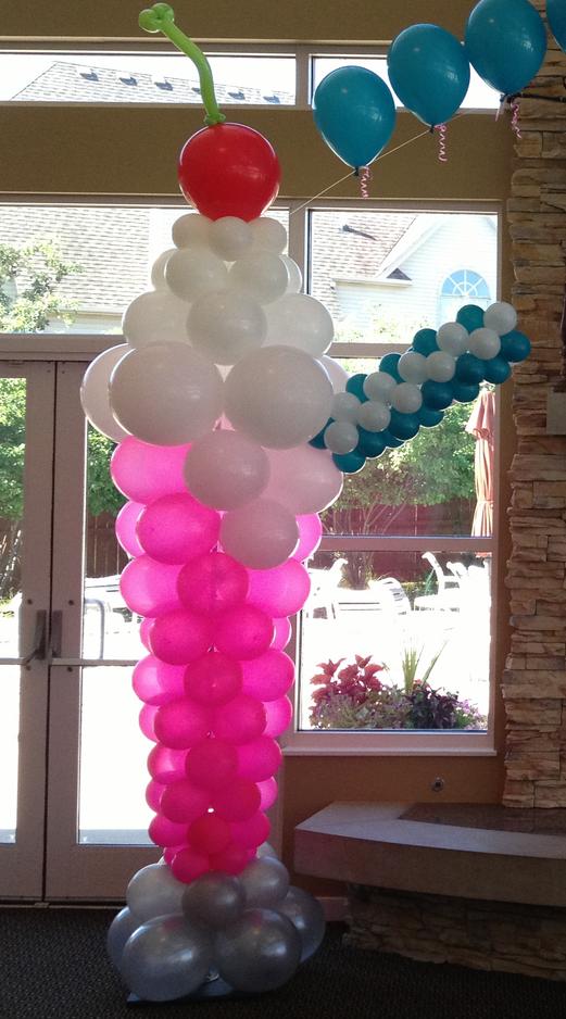 Ice Cream Sundae Balloon Sculpture