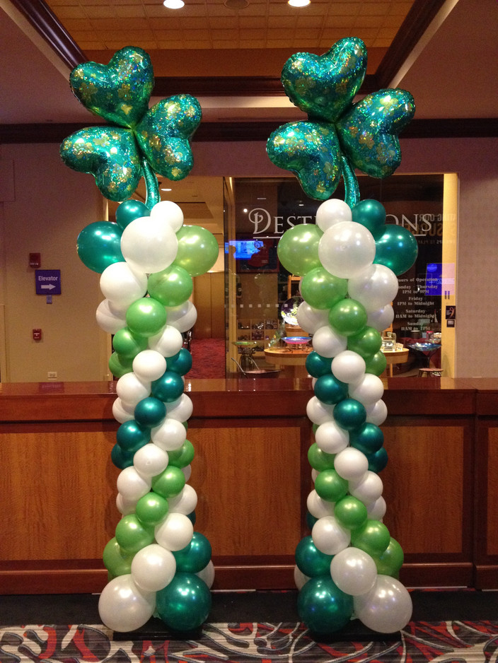 Shamrock Balloon Column