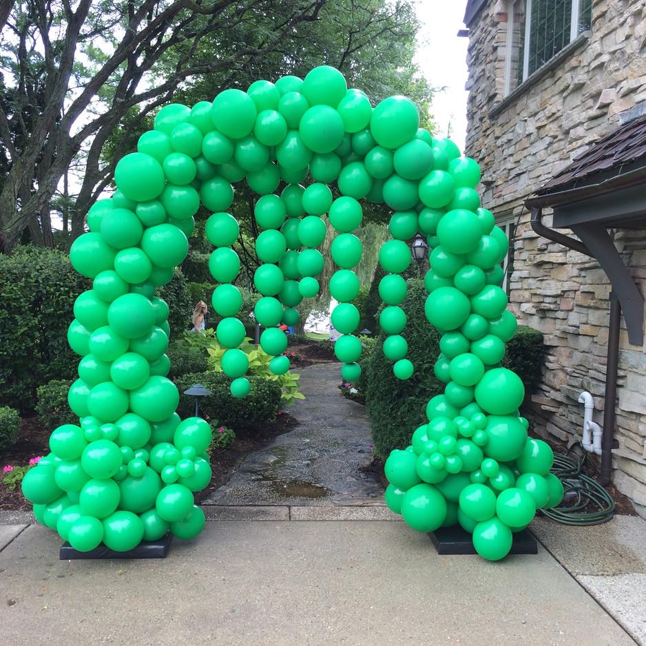 Slime Themed Organic Balloon Arch