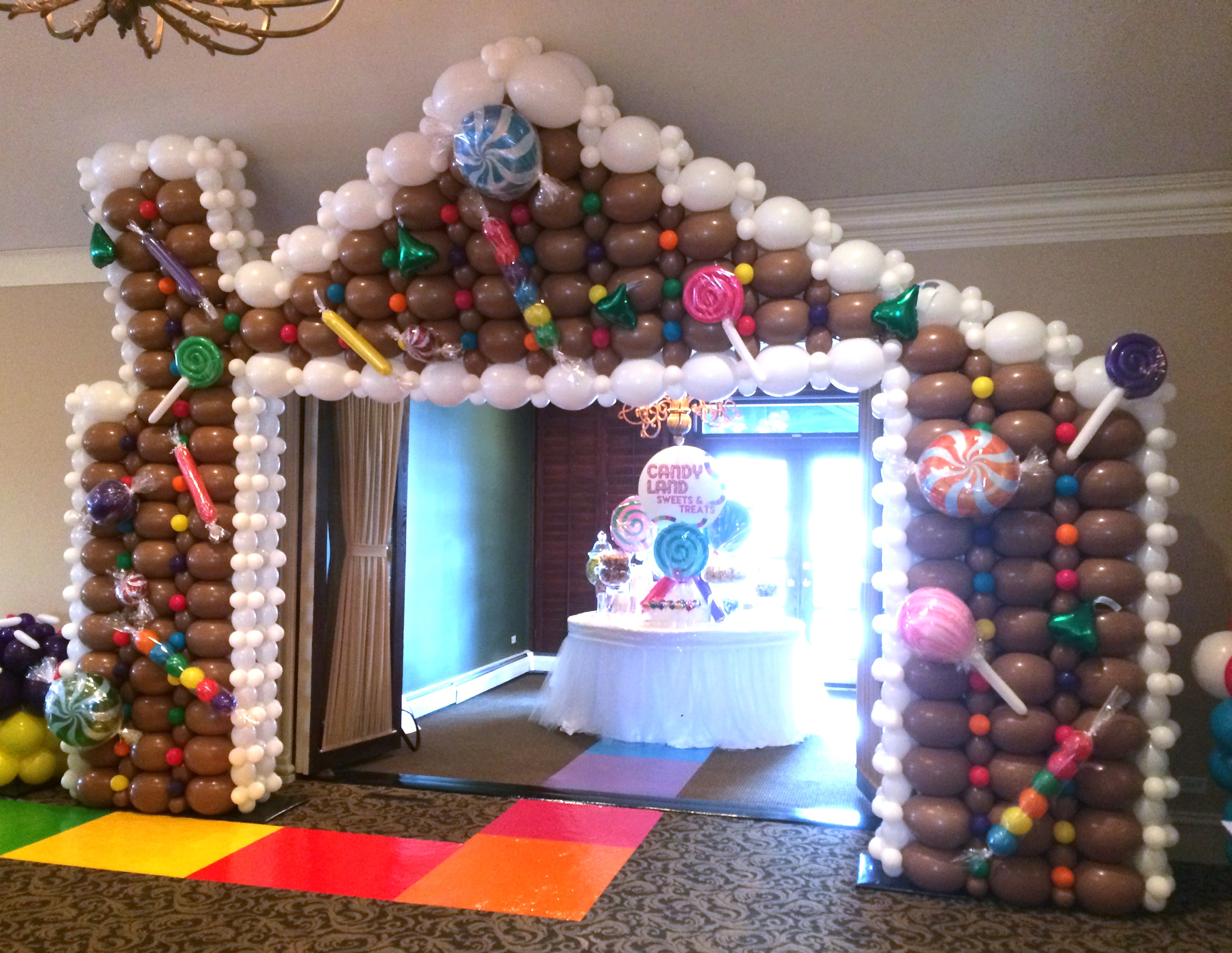 Gingerbread House Balloon Wall (w_ Candy