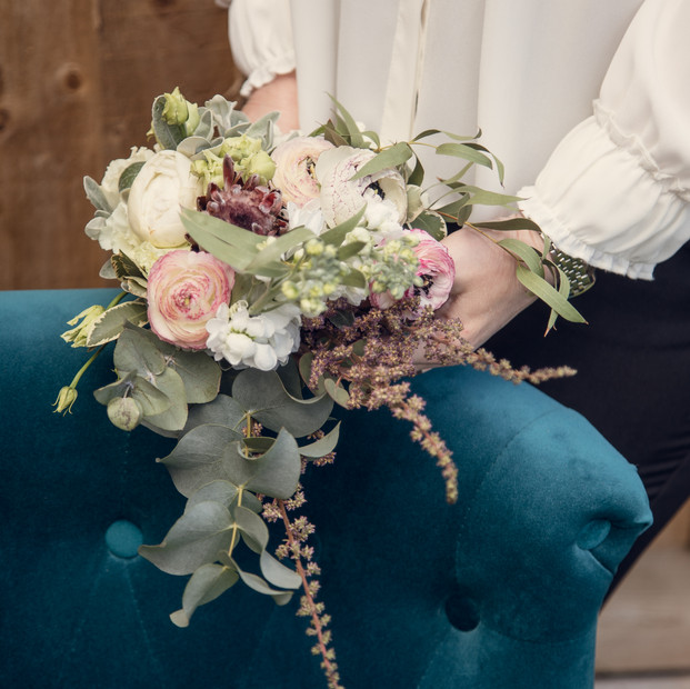 Teadrop bridal bouquet.