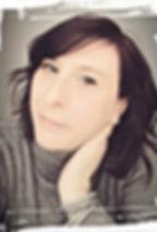 Mon entreprise So'Kré Déco, je suis Sophie Suau, décoratrice d'intérieur et membre de l'UFDI sur le Puy de Dôme. Je suis passionnée de décoration intérieure et diplômée d'état d'un titre de décoratrice dans le cadre d'une reconversion. J'accorde une grande importance aux liens avec mes clients.
