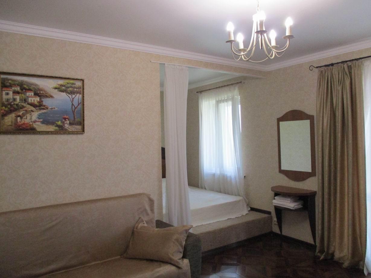 3х местный люкс. Отель Три сосны