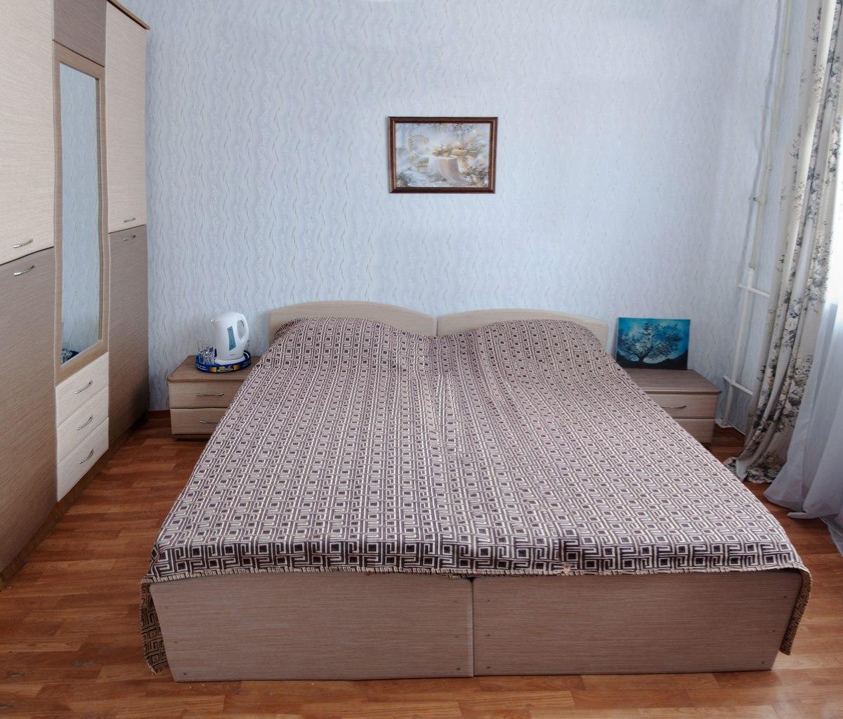 """Отель """"Три сосны"""" в центре Феодосии"""