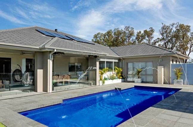 Compass-Pool-Australia-Royal-Blue-Water-