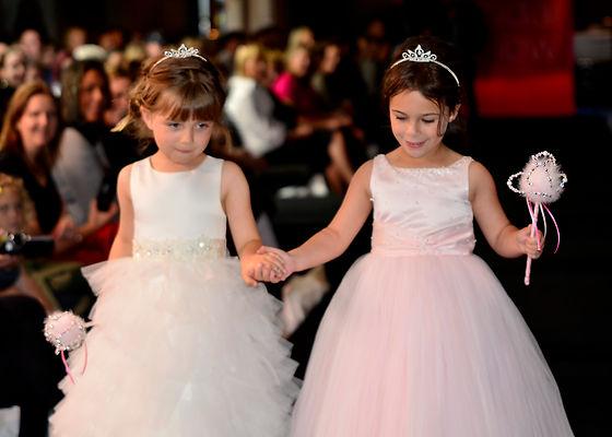 Flower girls, wedding show