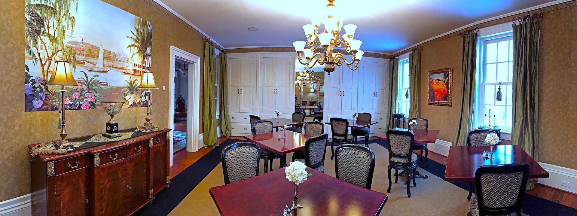 Cedarcrest Dinning Room - Overlook Farm