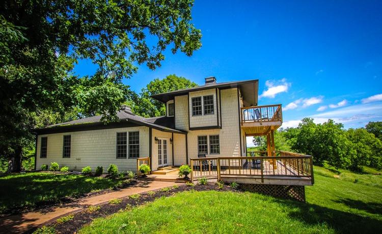 Avalon House - Overlook Farm