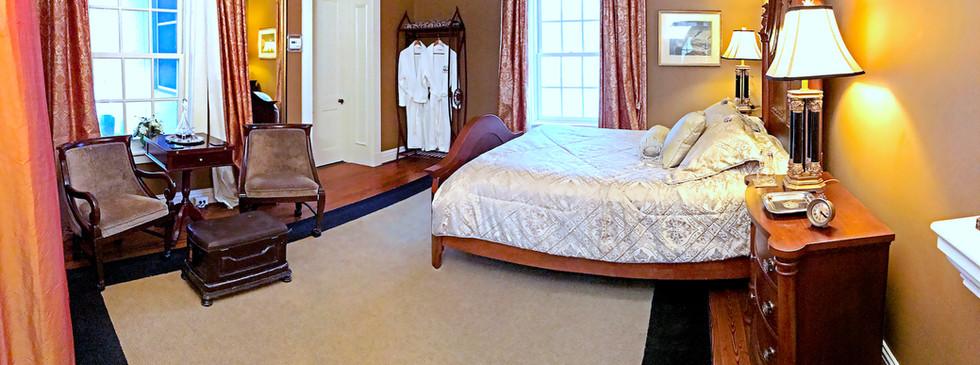 Cedarcrest 2NW Bedroom - Overlook Farm