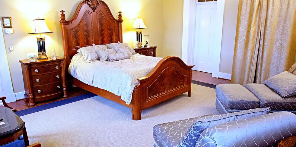 Cedarcrest 2NE Bedroom - Overlook Farm