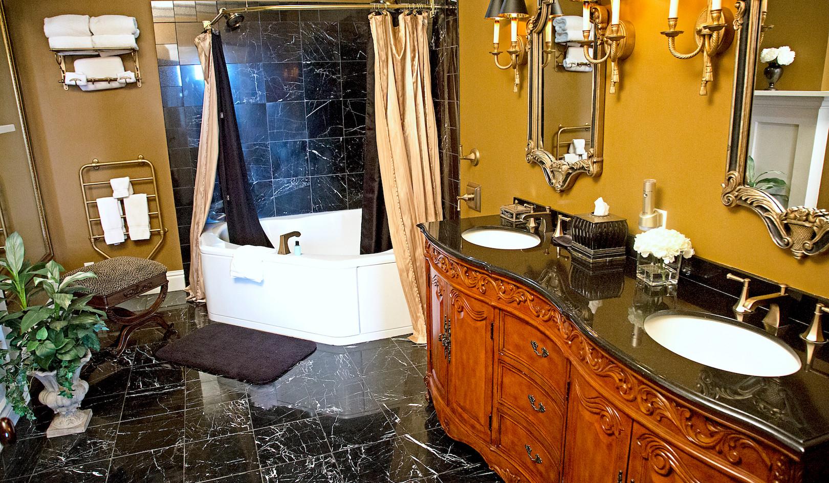 Cedarcrest 1SE Bathroom - Overlook Farm