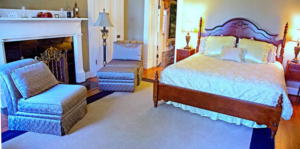 Cedarcrest 2SE Bedroom - Overlook Farm