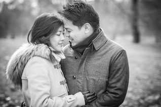Winter wedding anniversary shoot in London with Singapourien couple