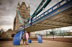 tower bridge couple shoot london