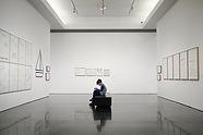 Мальчик в музее