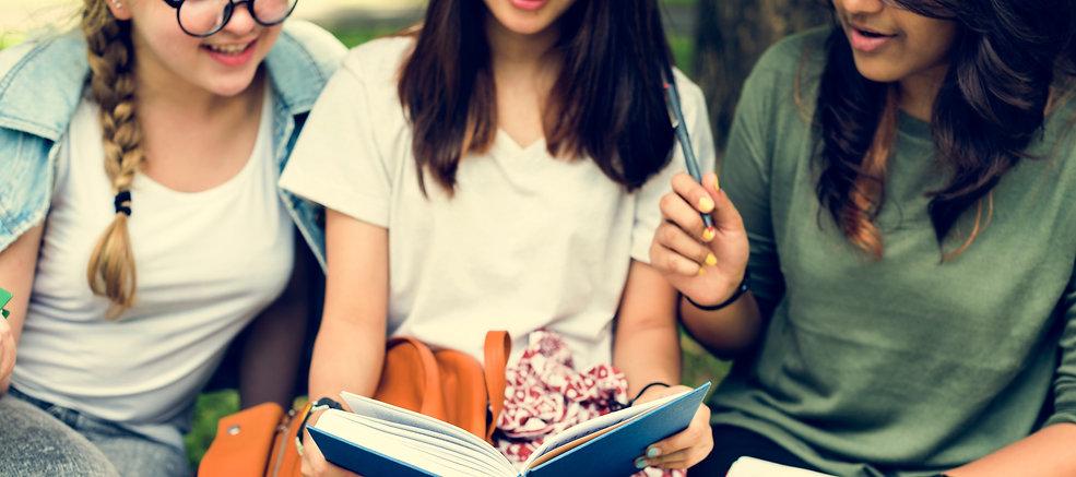 photodune-7l567Qww-education-students-pe
