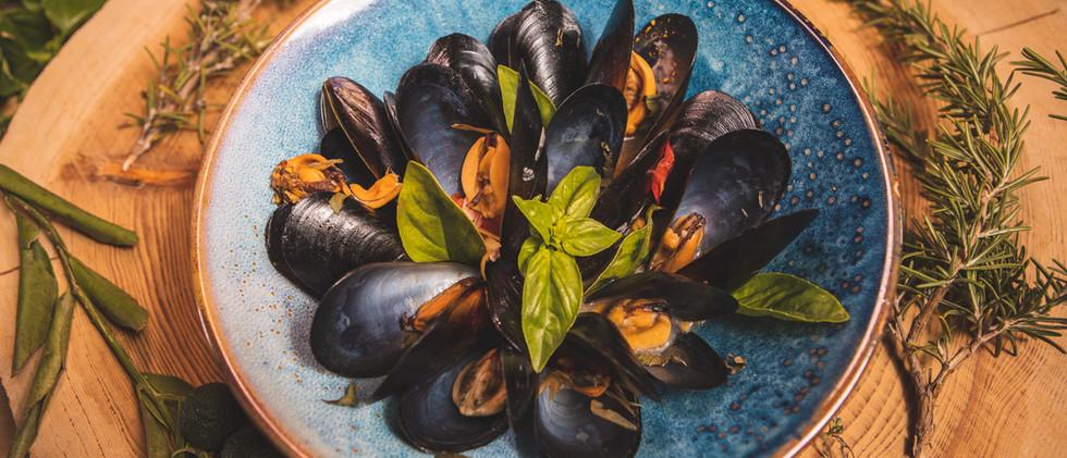 Mains_Mussels_Knights_Gastro_Pub-02.jpg