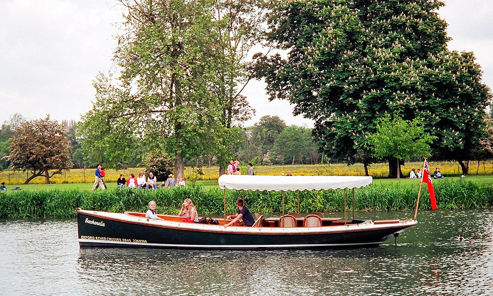 Oxford River Cruise with Prosecco and Three Course Meal