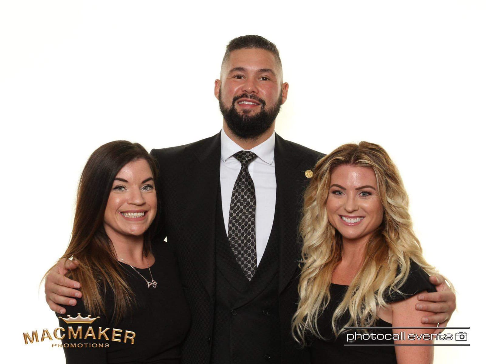 Melissa and Sarah with Tony Bellew