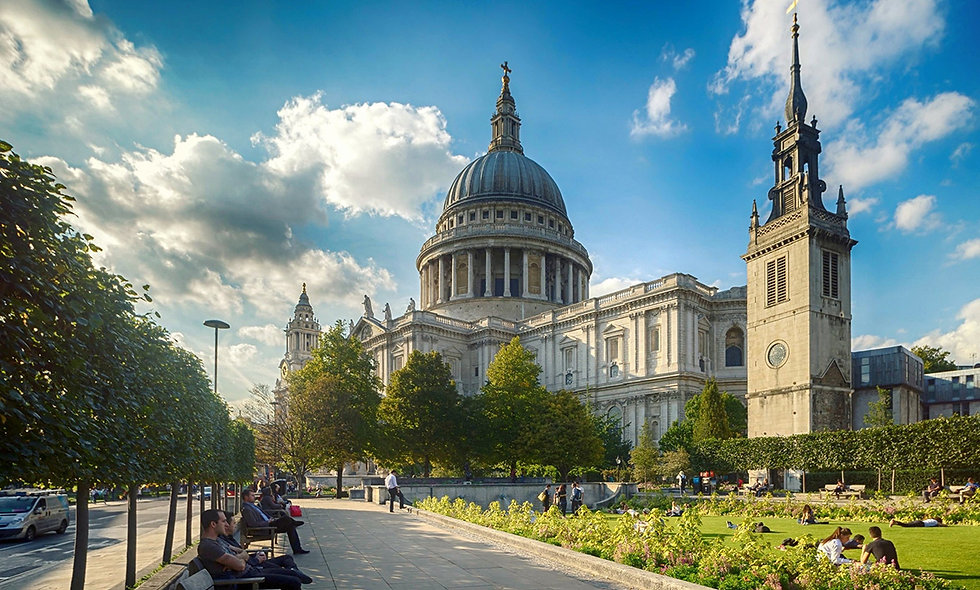 Visit to St Pauls Cathedral and Thames Sightseeing Cruise for Two