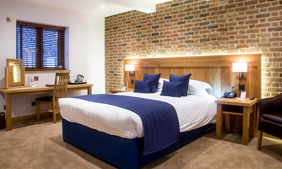 One Night Deluxe Break for Two at Tewin Bury Farm